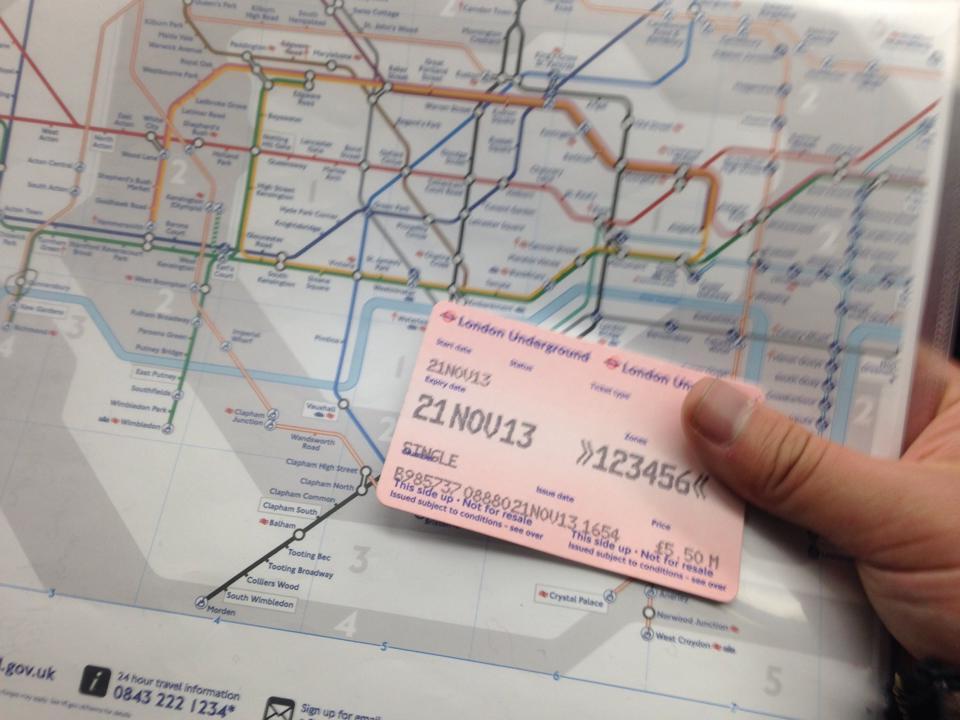 ロンドンのTubeのチケット