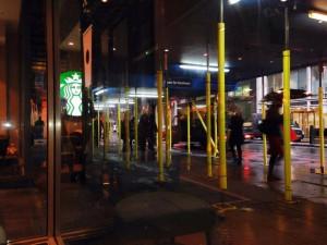 ロンドンのMoorgare駅近くのスタバから撮影