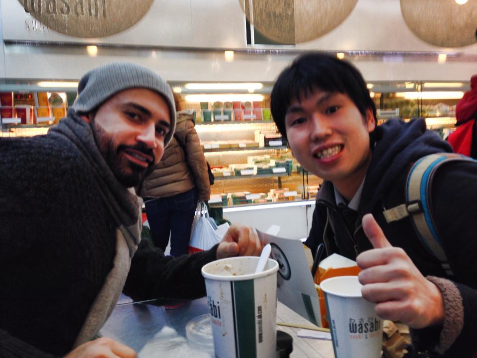 クゥエートから旅行中の英語の先生と相席しました。