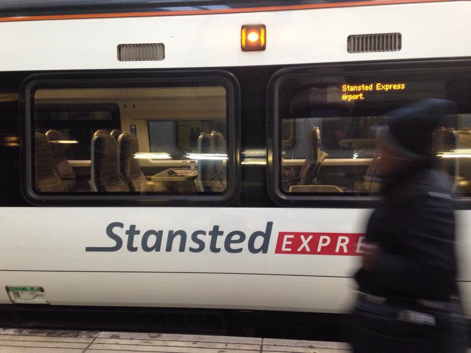 スタンステッドエクスプレス(stansted express)