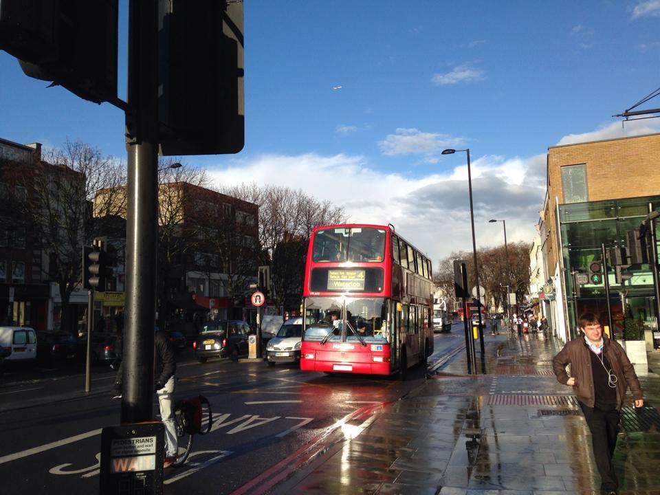 晴れのロンドンとロンドンバス