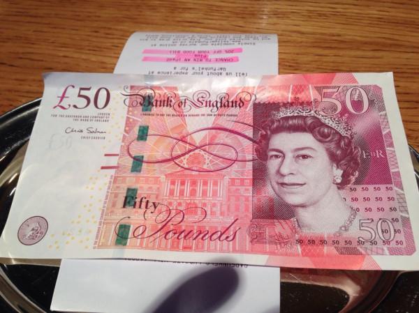 50ポンド札