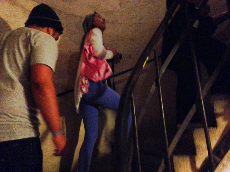 階段を10分くらい登って行く