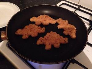 冷凍食品、恐竜チキンフライ