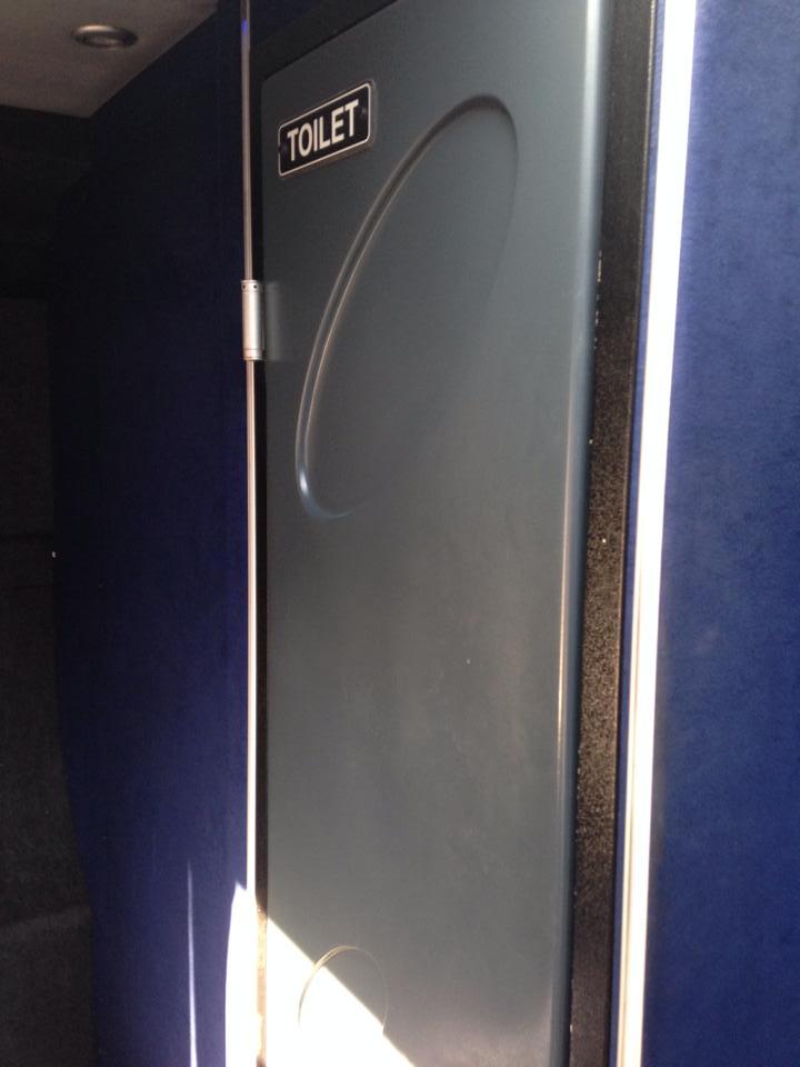 バスの中のトイレ